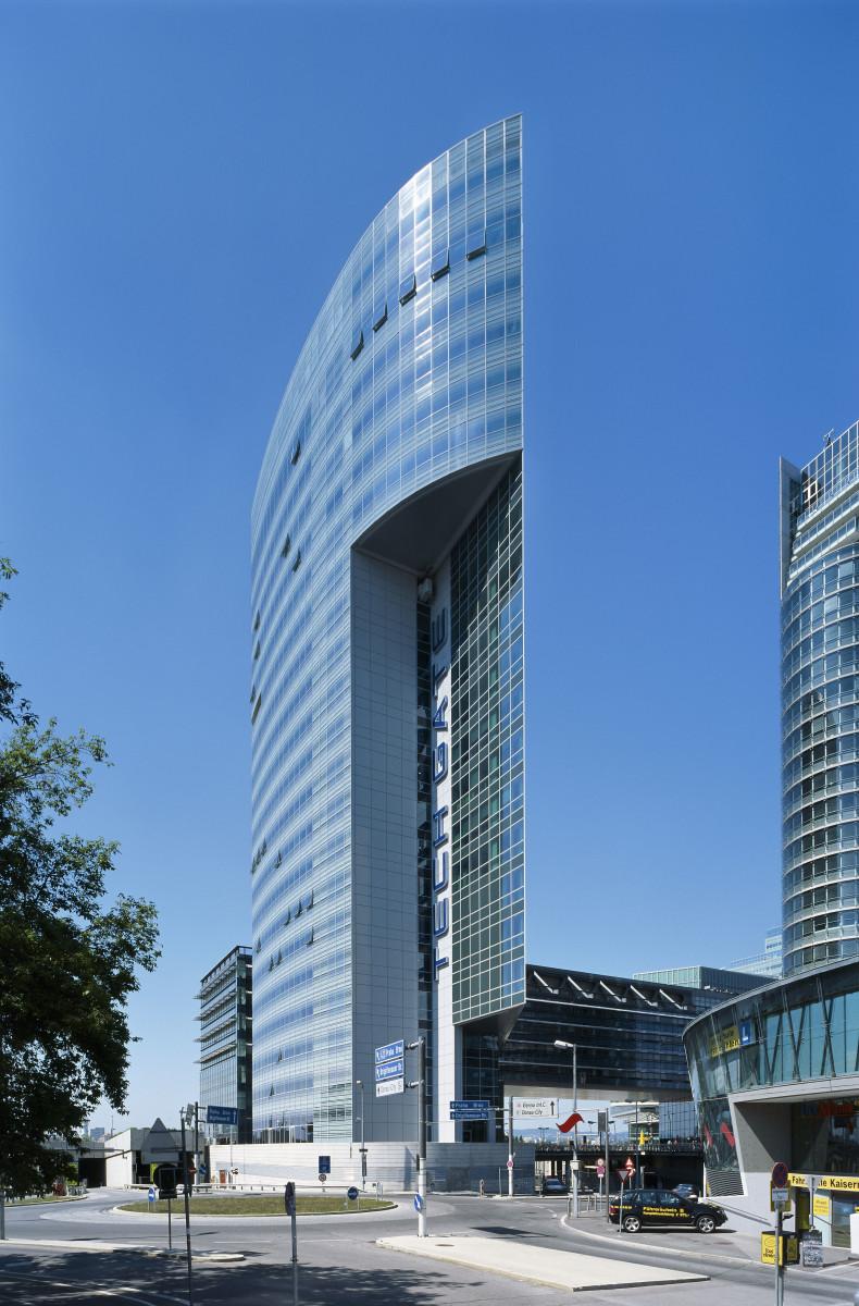 Referenzprojekt Objekteinrichtung | Aussenansicht Techgate Tower Vienna