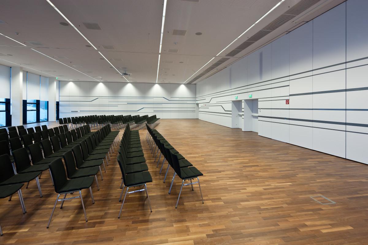 Objekteinrichtung Referenz | Wandverkleidung FH Campus Wien