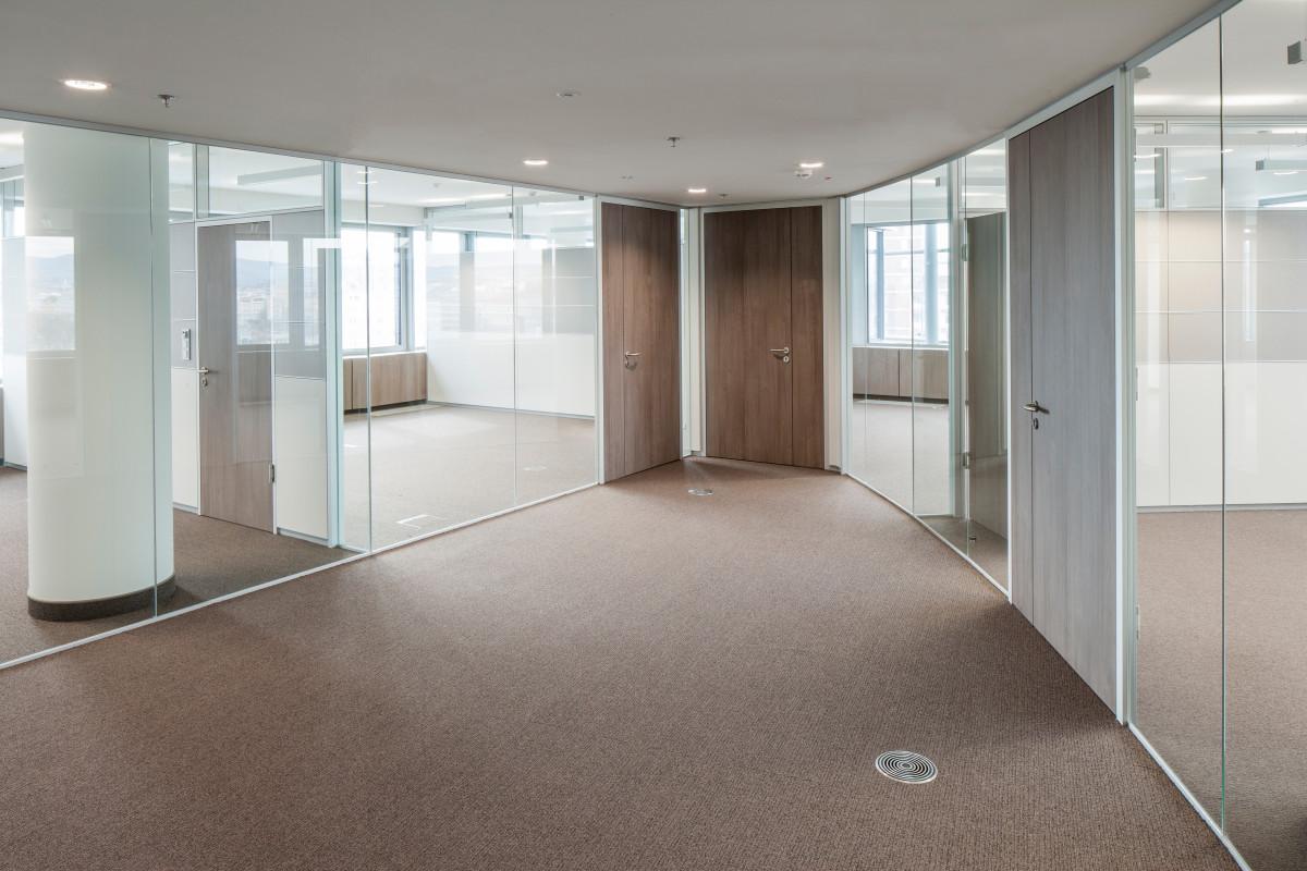 Objekteinrichtung Referenz | Glastrennwände Raiffeisen Konzernzentrale RHW.2