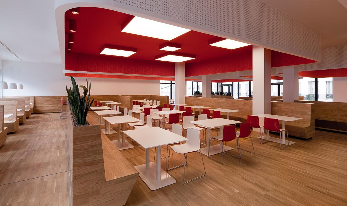 Gastro Einrichtung Referenz | Sitzbänke und Esstische Wiener Stadtwerke CB04 - TownTown