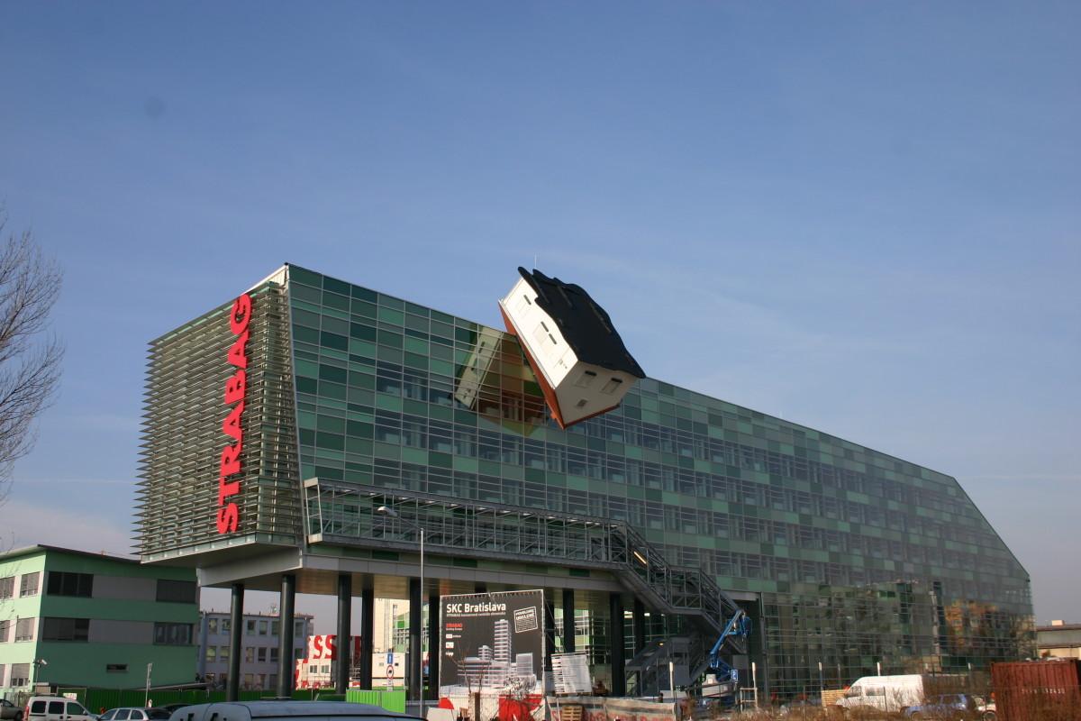 Objekteinrichtung Referenz | Aussenansicht Strabag Bratislava spol s.r.o. Konzernzentrale