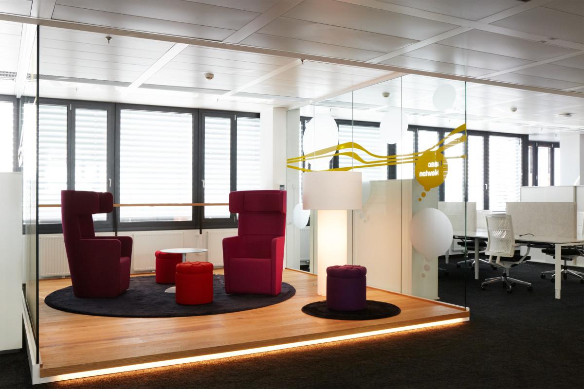 Objekteinrichtung Referenz | Doppelboden Konstruktion Kapsch AG