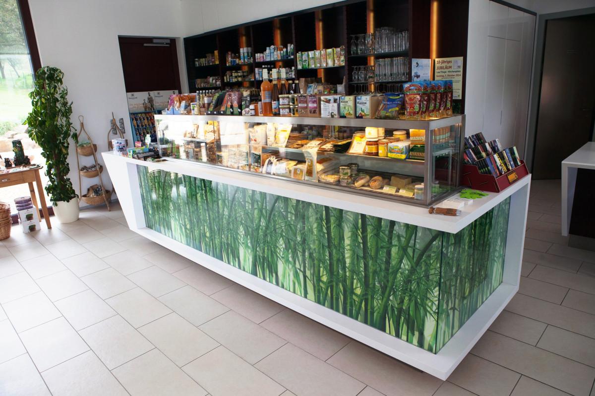 Gastro Einrichtung Referenz | Kühlvitrine Neugeist Naturkost & Gastronomie