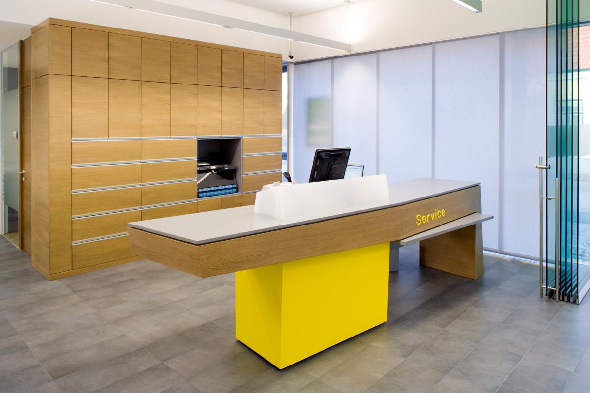 Bankeinrichtung Referenz | Büromöbel Raiffeisenbank Krems Filiale Rohrendorf