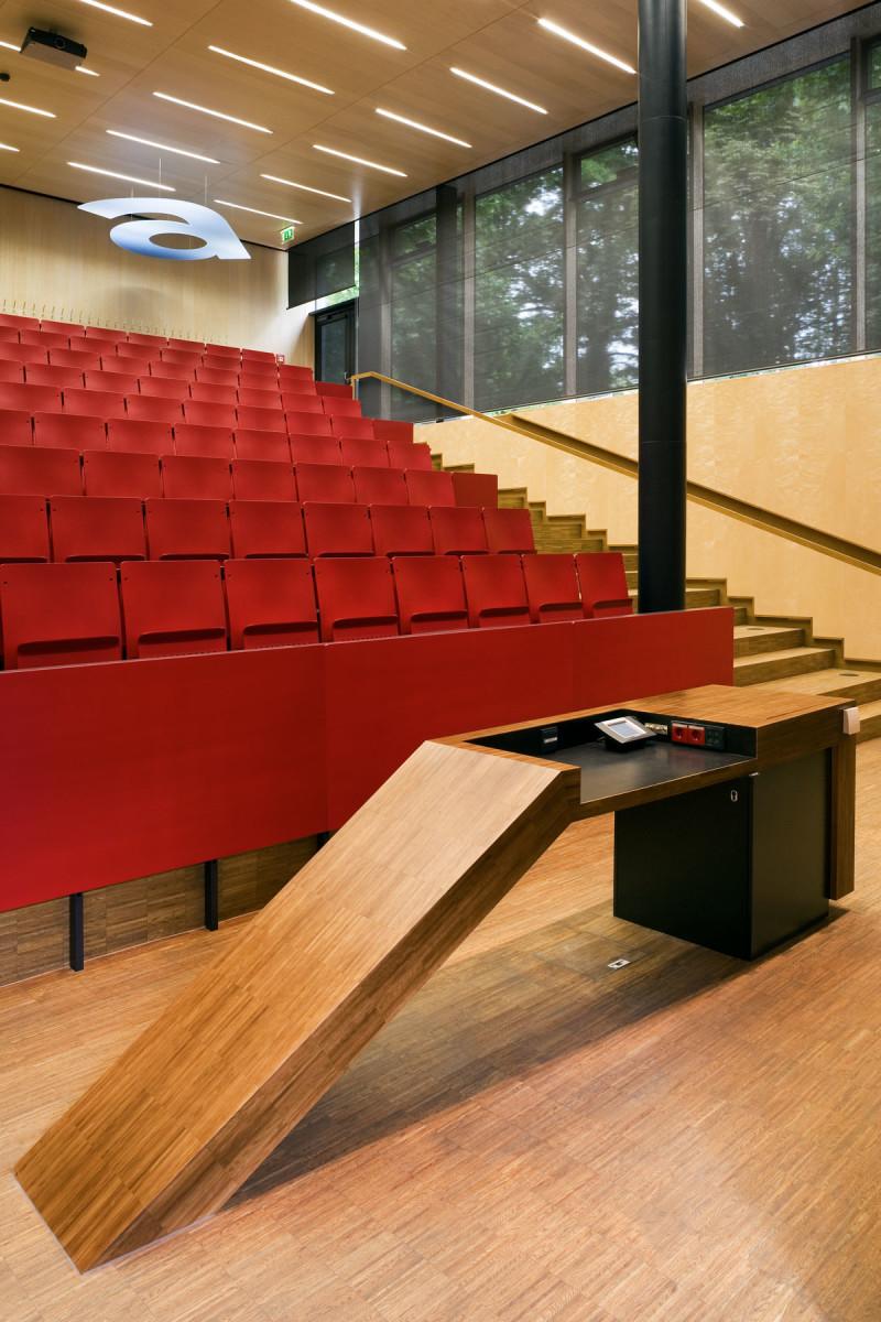Objekteinrichtung Referenz | Vortragspult Fachhochschule St.Pölten